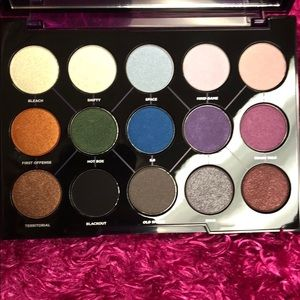 Urban Decay Makeup - UD Distortion Palette